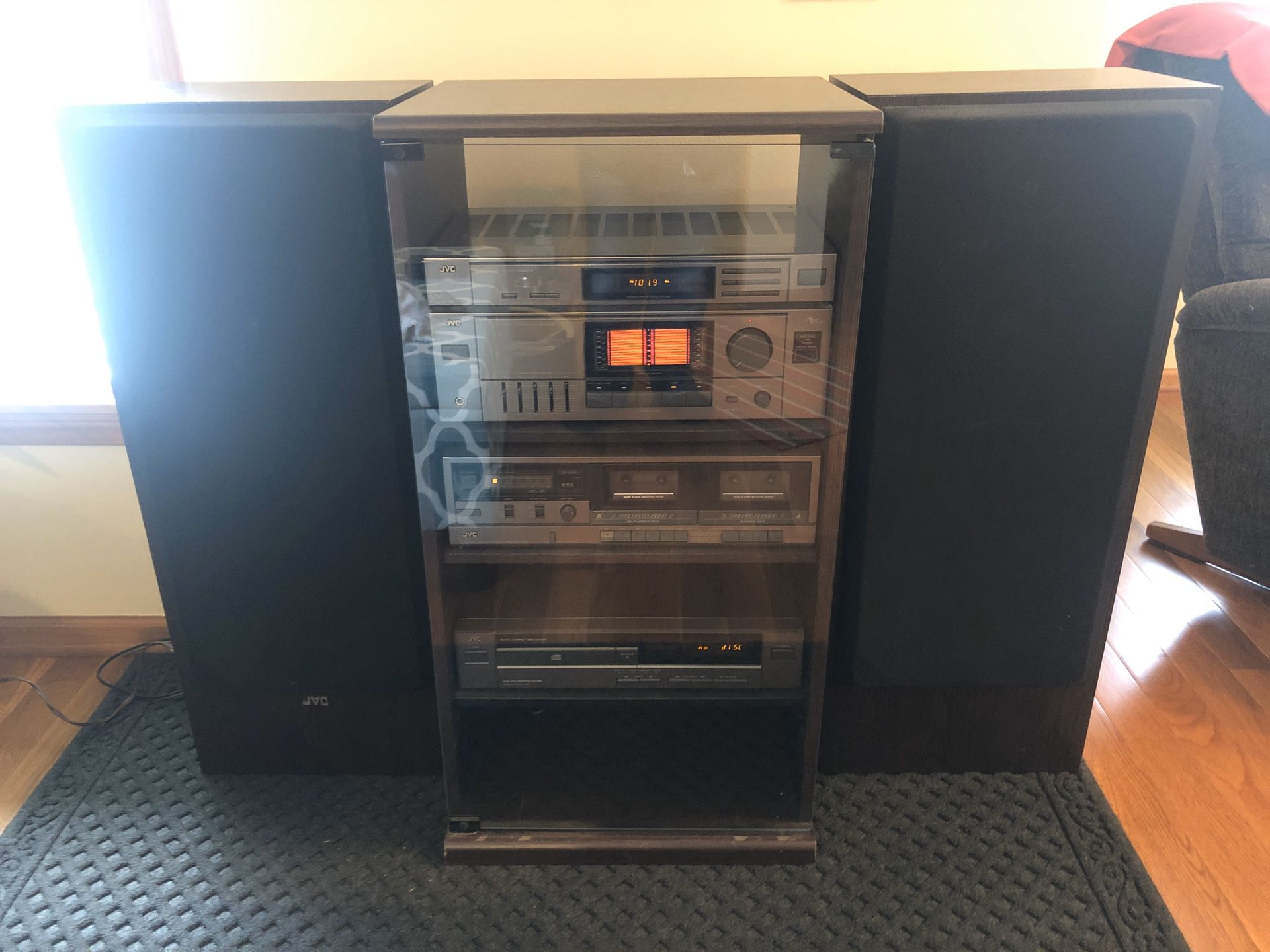 """Vintage 1992 JVC Stereo System w/console, CD Player, Dual Cassette Player, AM/FM Stereo Receiver w/Remote! 2-36"""" Tower Speakers Included!! Excellent"""