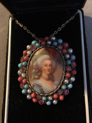 JEWELINE ORIGINALS VICTORIAN PENDANT BROOCH NECKLACE NEW IN THE BOX for Sale in Casselberry, FL