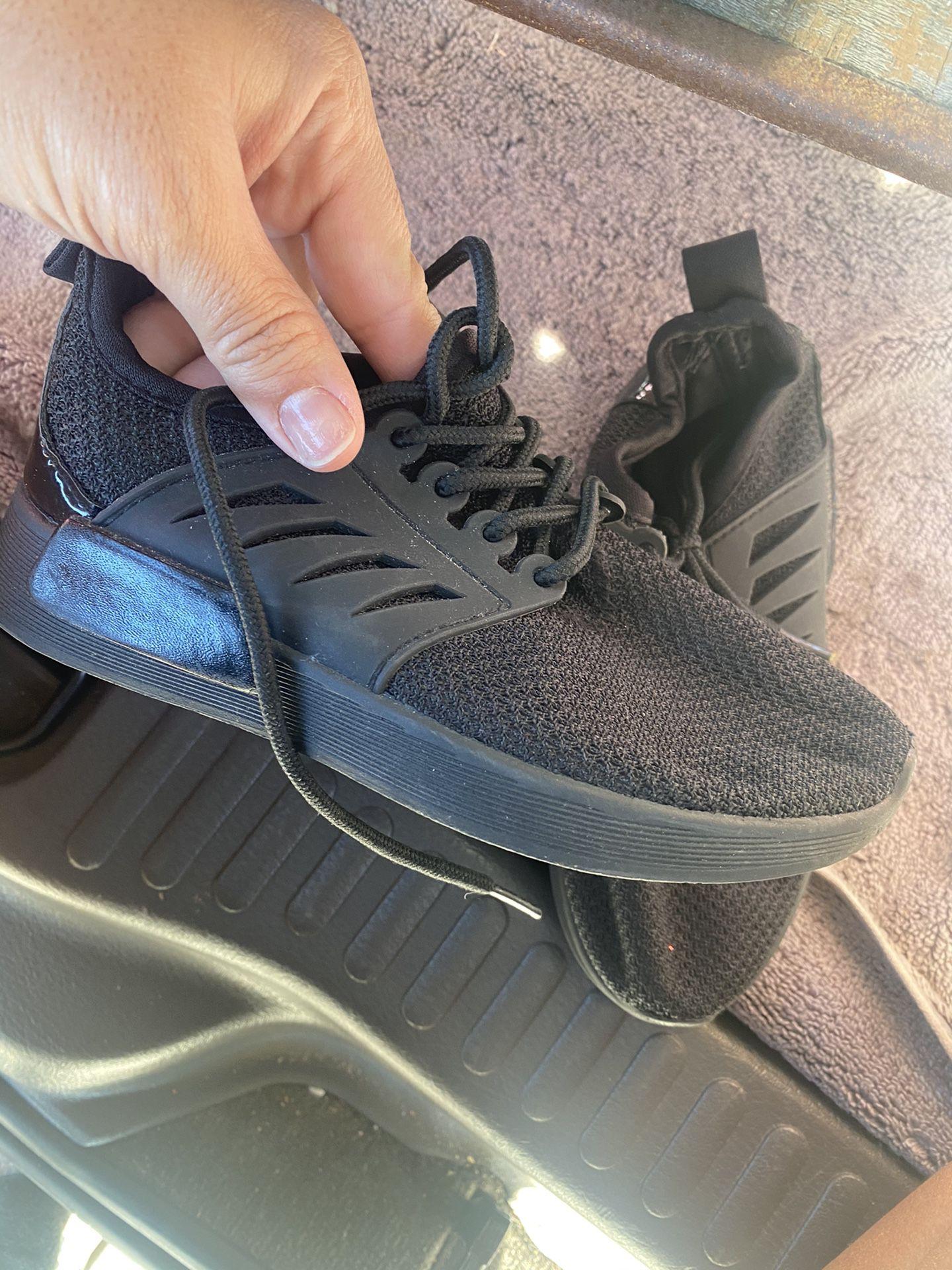Never Worn Size 13c Boy Shoes