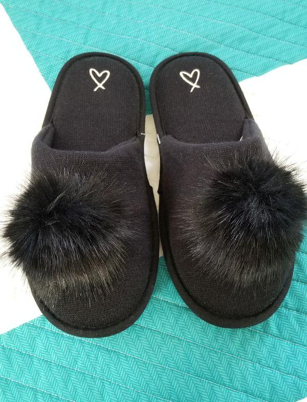 6532655b10f Victoria Secret pom pom slippers brand new for Sale in San Jose