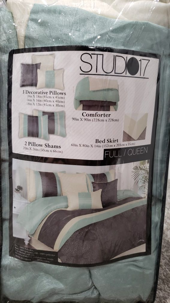 Full/ Queen bed set