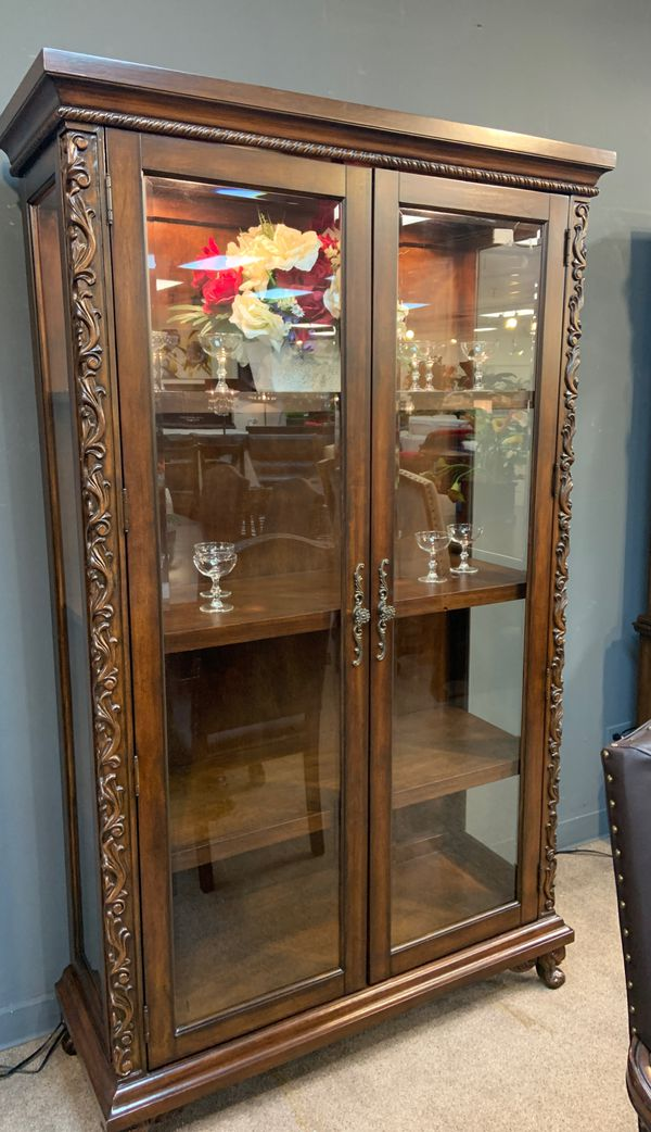 Curio Cabinet for Sale in Houston, TX - OfferUp