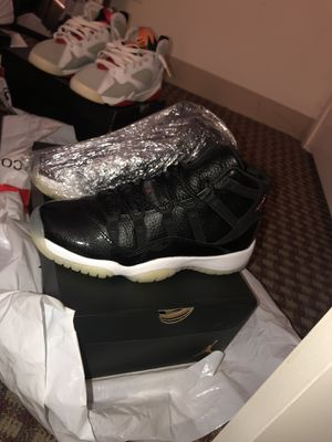 72-10 11s Never Worn SIZE 7 for Sale in Boston, MA