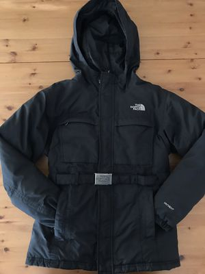 The North Face Hyvent Junior Winter Ski Coat Jacket With metal Buckle for a fitted look!!! Girls Size L 10-12 for Sale in Alexandria, VA