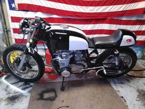Photo 1975 cb 550 Honda Cafe racer. Awesome bike. Very fast.
