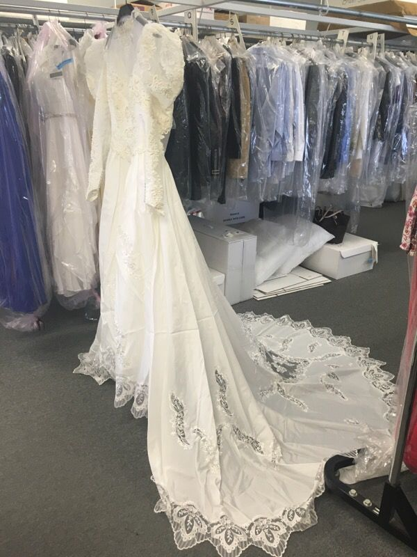 Wedding Dress For Sale For Sale In Bakersfield Ca Offerup