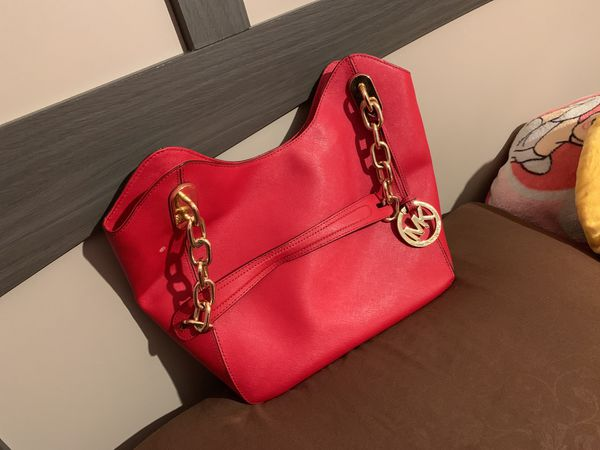 e357c344b3db40 Red Michael Kors purse for Sale in San Jose, CA - OfferUp