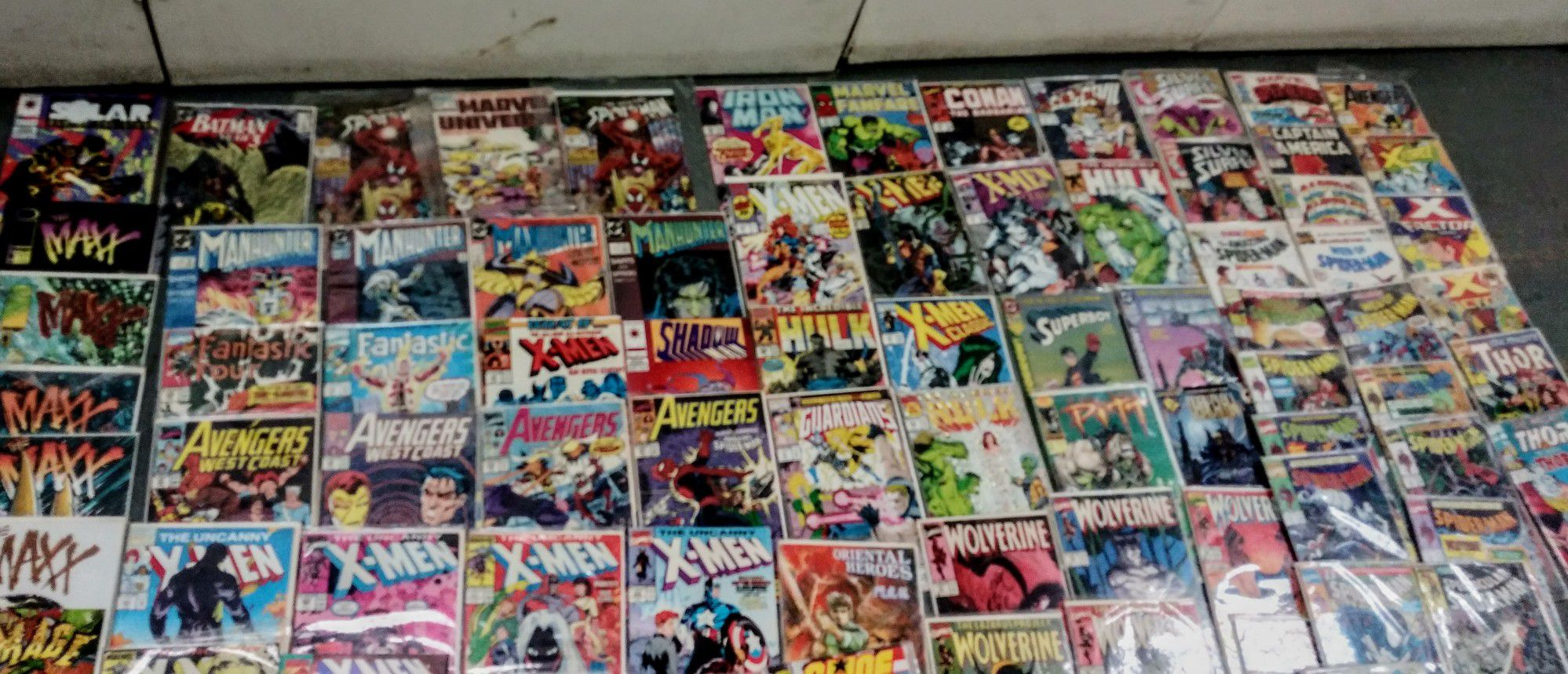 Lot of comics most are in NM condition in plastic sleeves
