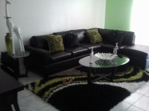 Leather sectional couch for Sale in Hialeah, FL