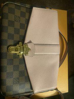 Louis Vuitton Clapton Magnolia Thumbnail