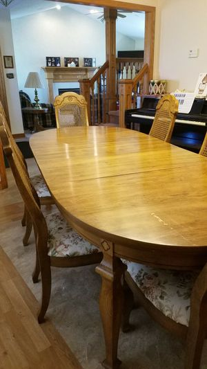 Solid Pecan Wood Dining Room Table Set For In North Canton Oh