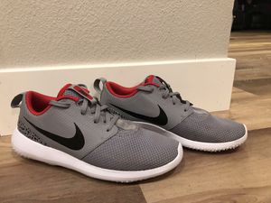 Photo Nike size 7 golf shoes