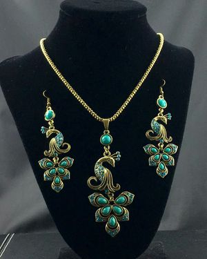 Peacock Necklace set green for Sale in Austin, TX