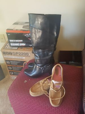 Bonitas botas size 9 y medio y zapatos size 10 nuevos los 2 pares $45 for Sale in Washington, DC
