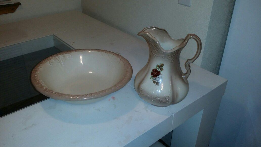 Vintage 1890's ironstone england washbowl and pitcher