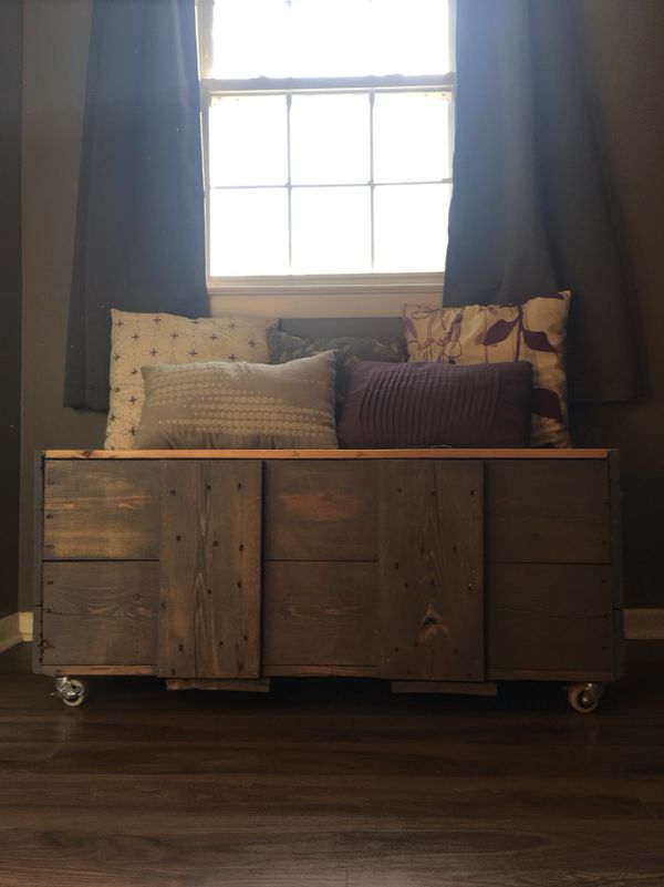 Reclaimed Shipping Crate Coffee Table Furniture In Kernersville - Shipping crate coffee table