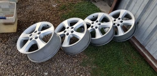Wheels for Toyota Camry Thumbnail