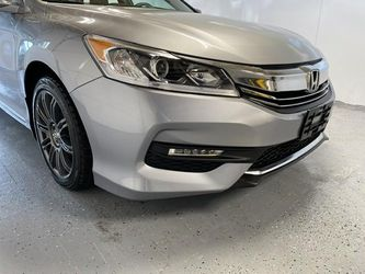 2016 Honda Accord Sedan Thumbnail