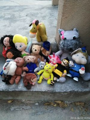 15stuff animals n some dolls .50 each for Sale in Bakersfield, CA