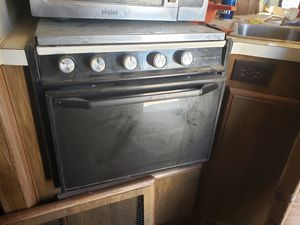 Magic chef stove for a 1984 south wind motorhome for Sale in Hesperia, CA