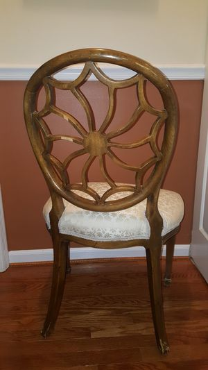 It's a Hepplewhite occasional chair for Sale in Alexandria, VA