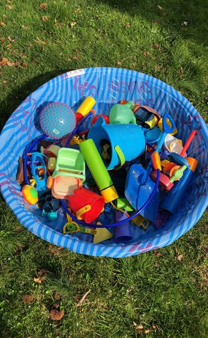 Baby pool plus toys for Sale in Silver Spring, MD