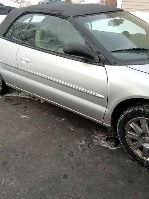 Photo 2005 Chrysler Sebring Florida Car Need Gone ASAP O 3000 Or Best Offer As S 84000 MI