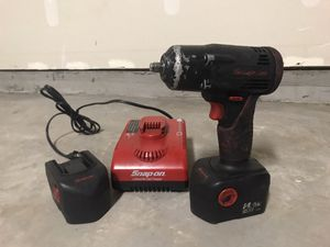 Photo SNAP ON 3/8 IMPACT WITH 2 BATTERIES & CHARGER