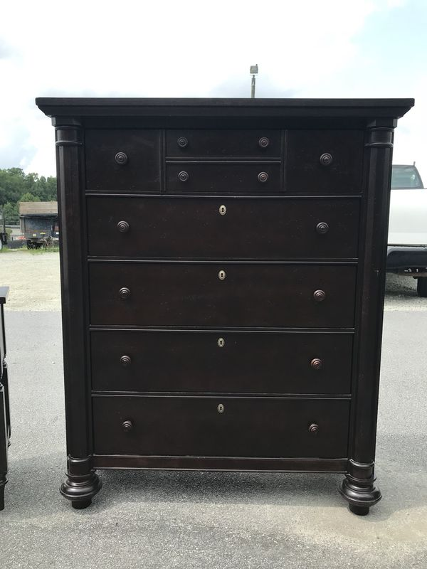 """56"""" Tall 5-Drawer Chest of Drawers / Dresser by Broyhill for Sale in Holly  Springs, NC - OfferUp"""