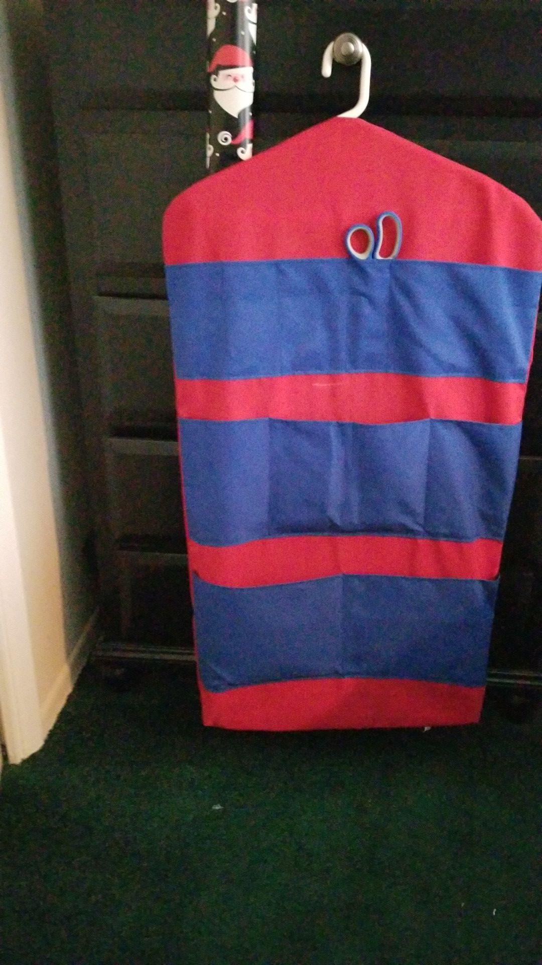 Wrap Pack hanging craft organizer