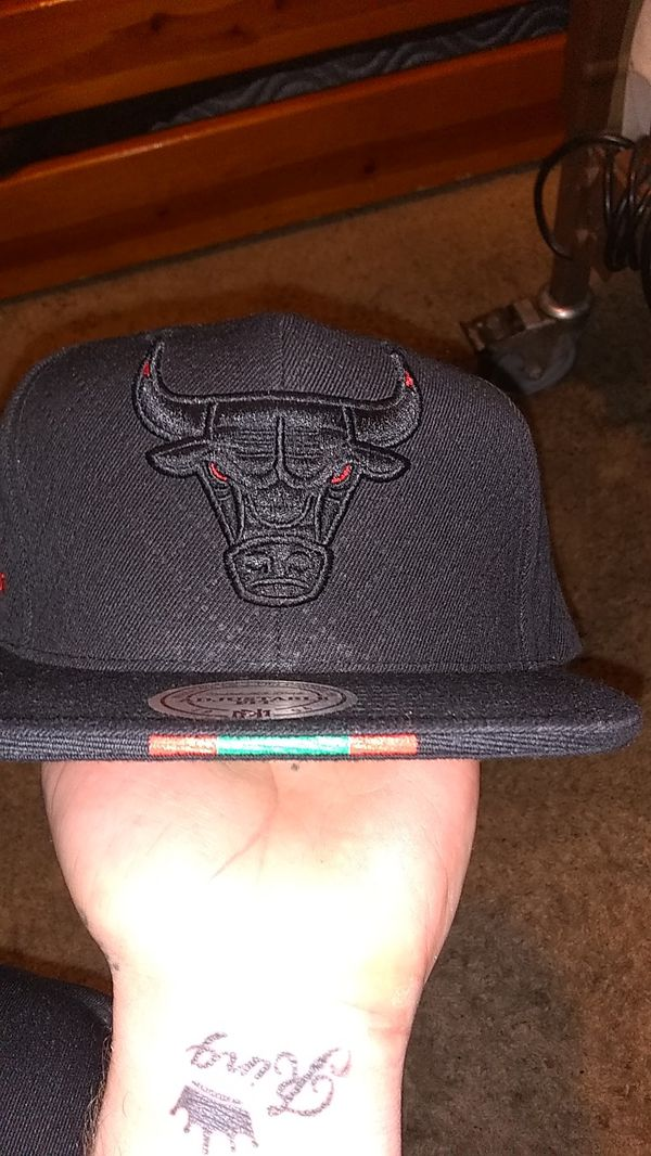8ea1ec8ccf72a Mitchell and Ness Gucci Bulls hat for Sale in Denver