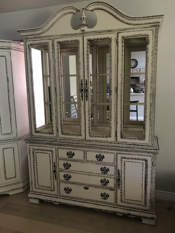 Farmhouse Kitchen Hutch China Credenza Buffet Cabinet Antique Look Shabby Chic Off White Distressed Black For In Peoria Az Offerup