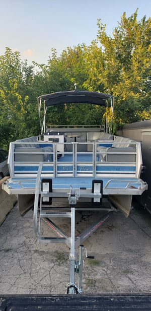 New and Used Pontoon boat for Sale in Akron, OH - OfferUp