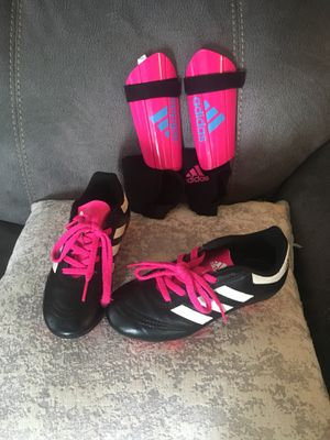 Girls soccer cleats + shin guards 12 for Sale in Herndon, VA