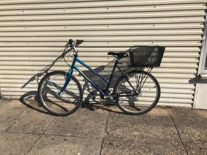 TREK hybrid road/mountain bike for Sale in Washington, DC