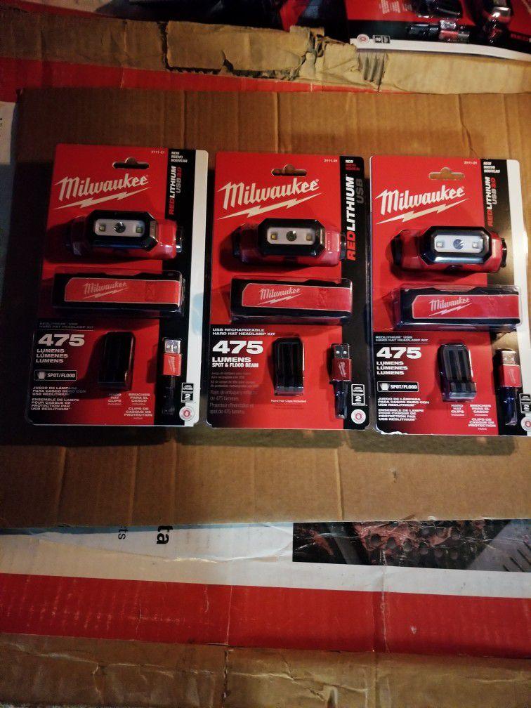 Milwaukee light Of 475 Lumens brand New  for $ 60 each.