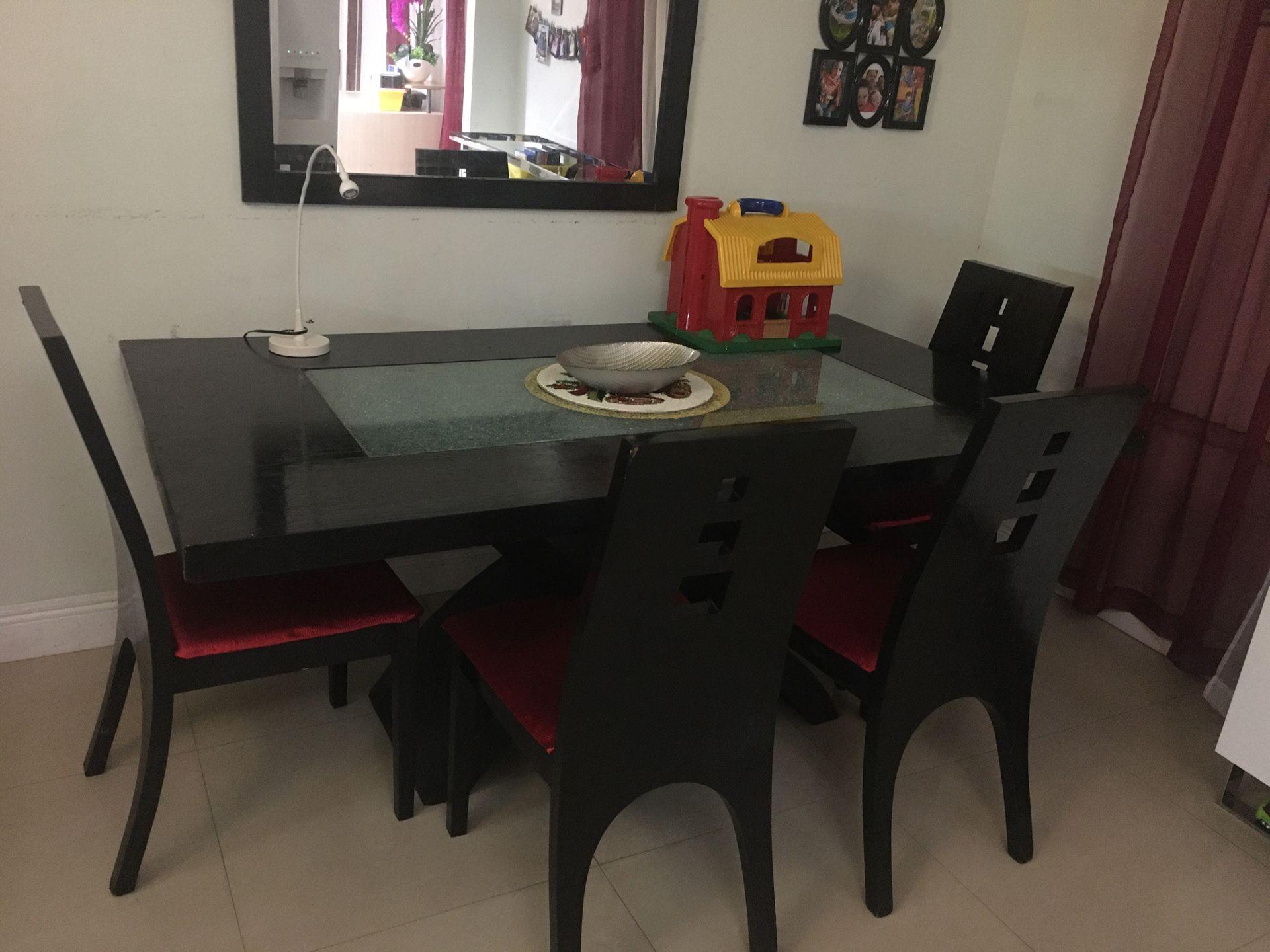 Juego de comedor 4 sillas 🪑 y el espejo