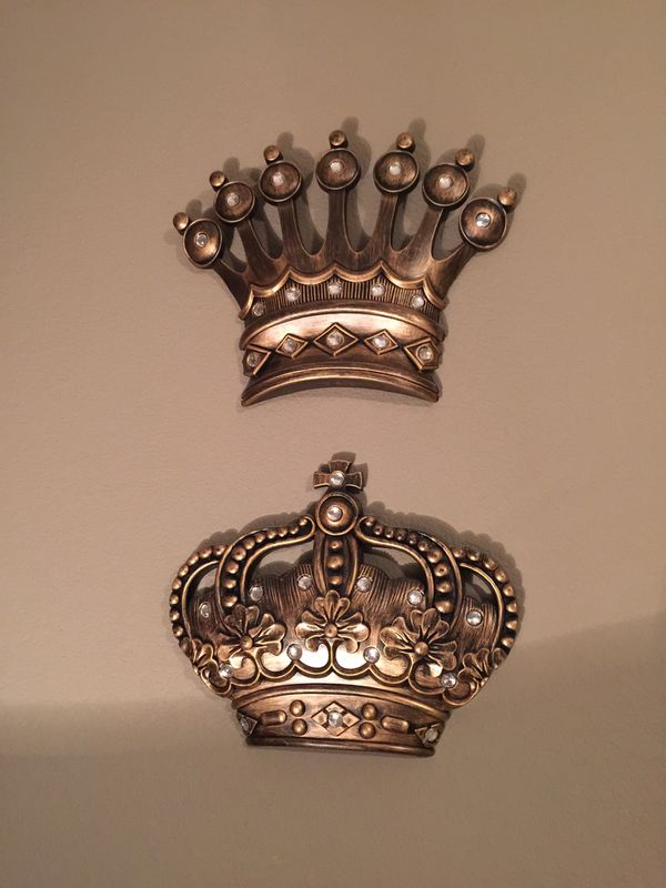 King And Queen Crown Wall Decor For