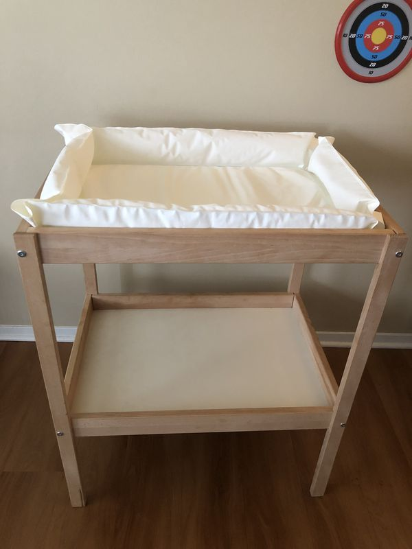 Baby Diaper Changing Table With Fluffy Pad