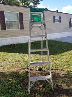 6 feet ladder for Sale in Union Park, FL