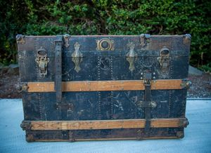 Antique Steamer Trunk Case Storage Vintage for Sale in Kirkland, WA