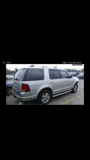 2005 Ford explorer Runs great no mechanical issues just needs a headlight in front but runs great for Sale in Washington, DC
