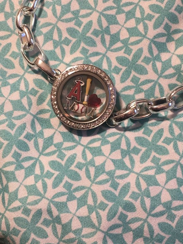 My new Origami Owl bracelet. To order yours for the link on my ... | 800x600