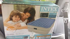 Intex airbed. Buit-in pump for Sale in Silver Spring, MD