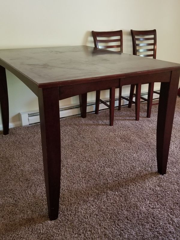 Hardwood Dining Room Table Seats 4 to 6 (Furniture) in Greensboro ...