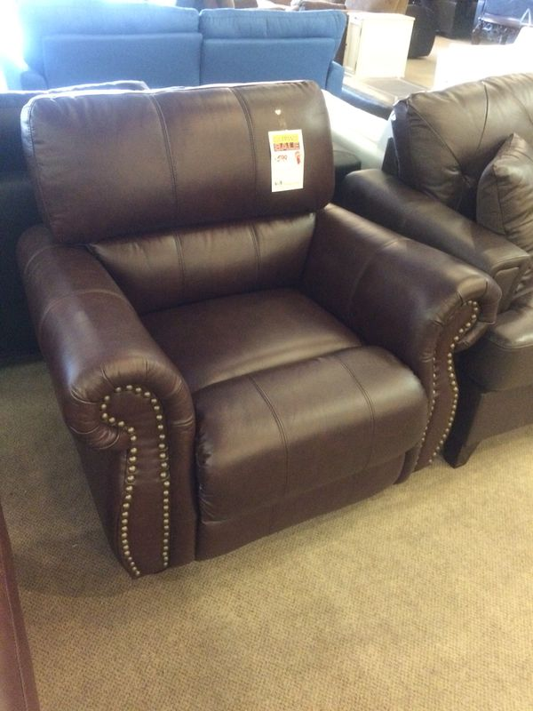 Brown Leather Nailhead Sofa Chair for Sale in Phoenix, AZ - OfferUp
