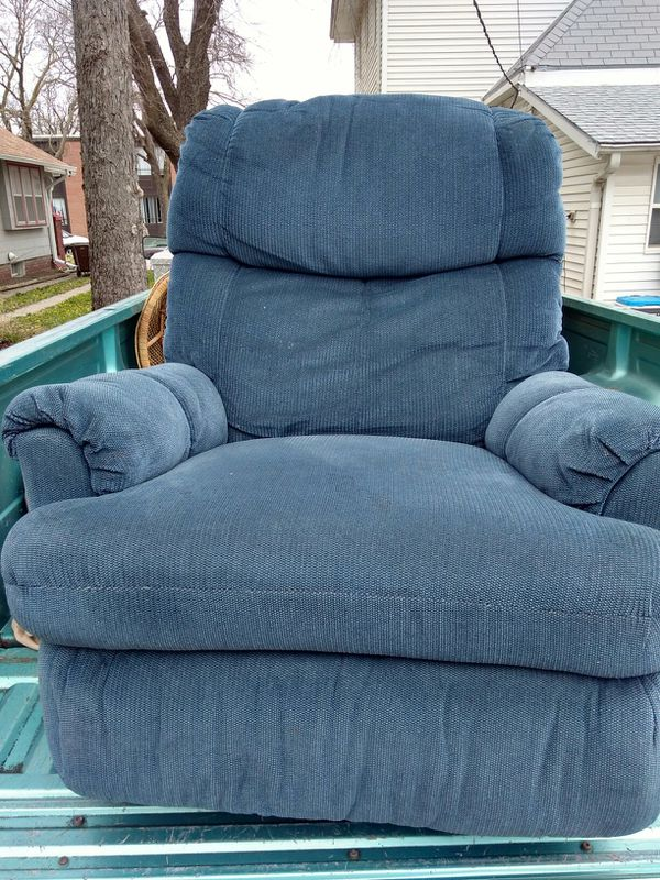 2 Blue Lane Rocker N Recliner Chairs For Sale In Salina Ks Offerup