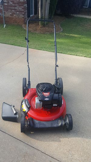 Photo 2018 model Huskee high wheel push lawnmower