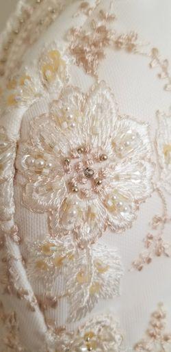 Gorgeous Hand Embroidered Oleg Cassini Wedding Dress Sz 8 Thumbnail