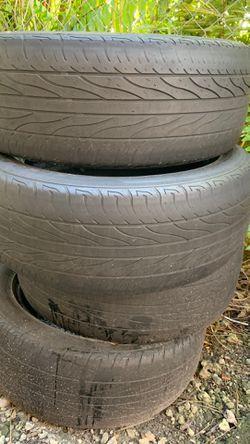Used Tires 215/55R17 Thumbnail